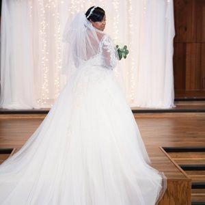 Beautiful classy fairy tale wedding dress